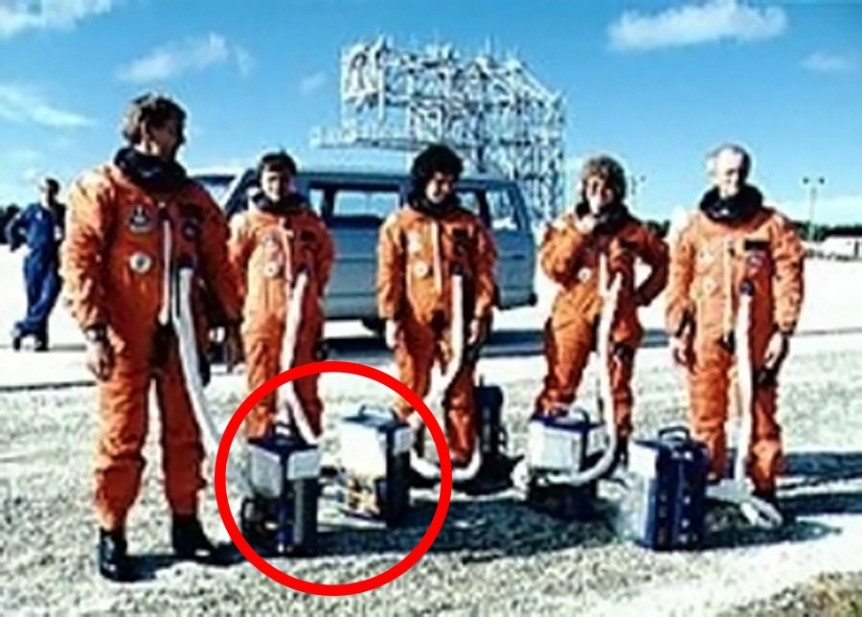 challenger crew with air packs